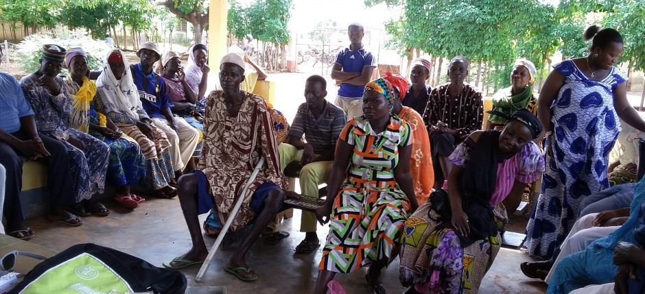 20150710_patients waiting in opd at gurugu